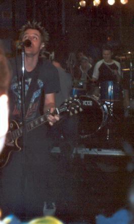 Greig et Trevor, Portes Ouvertes MusiquePlus, 07/03/01